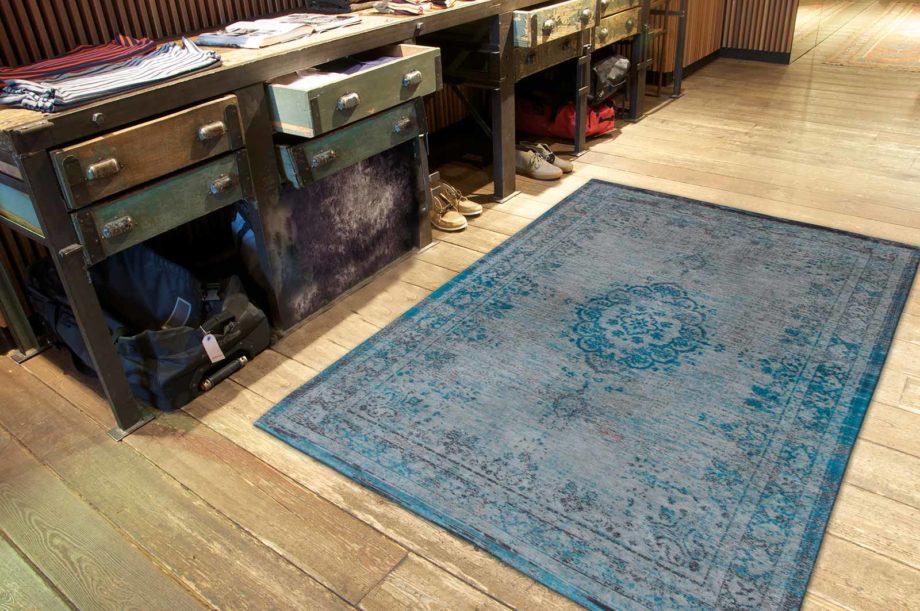 tapijt Louis De Poortere CA 8255 Fading World Medaillon Grey Turquoise interior 2